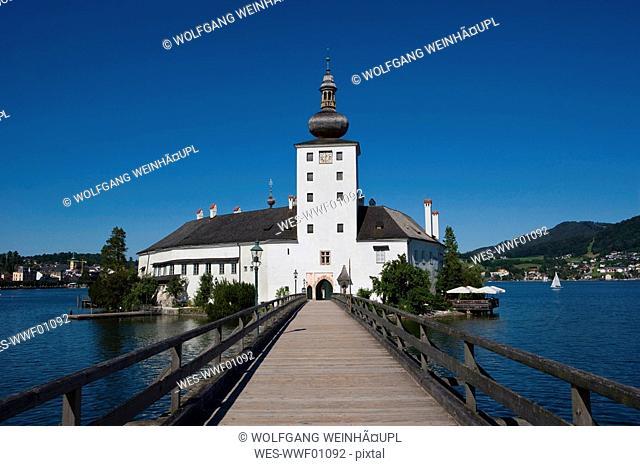 Austria, Salzkammergut, Gmunden, Ort Castle in background