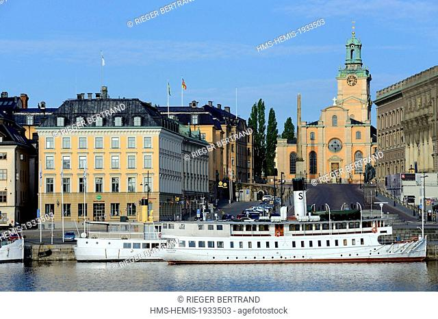 Sweden, Stockholm, the old city on the island of Gamla stan (Gamala Stan Riddarholmen) seen from the island of Skeppsholmen, the cathedral