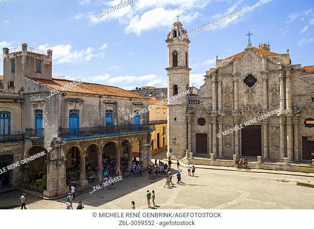 Cuba, Ciudad de la Habana province, La Havana, La Habana Vieja district listed as World Heritage, Cathedral square and Catedral de la Virgen Maria de la...