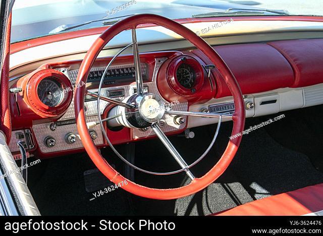 1957 Mercury Turnpike Cruiser detail