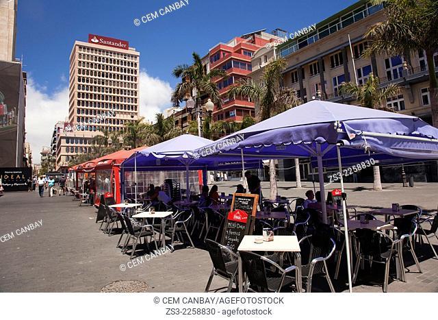 Outdoor cafes in Plaza Espana, Santa Cruz de Tenerife, Tenerife, Canary Islands, Spain, Europe,