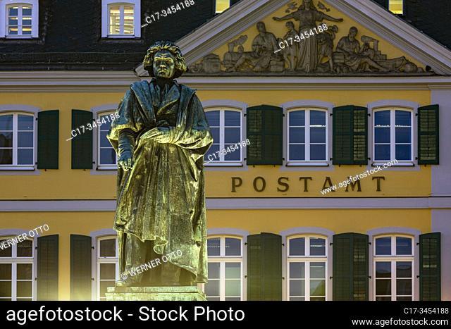 Bonn, D-Bonn, Rhine, Sieg, Kottenforst, Rhineland Nature Reserve, Rhineland, North Rhine-Westphalia, NRW, Beethoven memorial at the Minster Square, statue