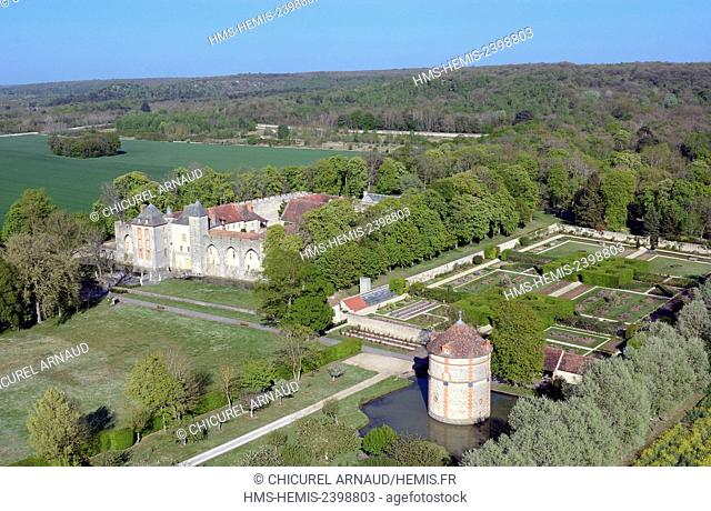 France, Essonne, Bouville, the castle of Farcheville (aerial view)