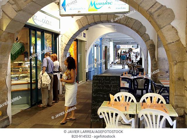 Pedestrian precinct, shopping area, Bayonne. French Basque Country, Aquitaine, Pyrenees-Atlantiques, France