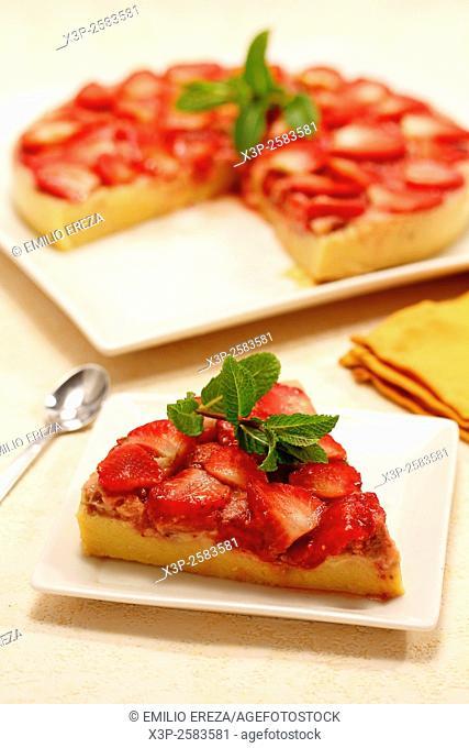 Strawberries pudding