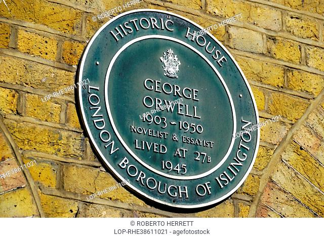 England, London, Islington. Green Historic House plaque marking the site of the former home of George Orwell at 27B Canonbury Square