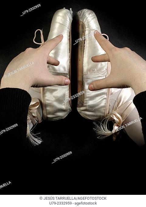 Feet dancer
