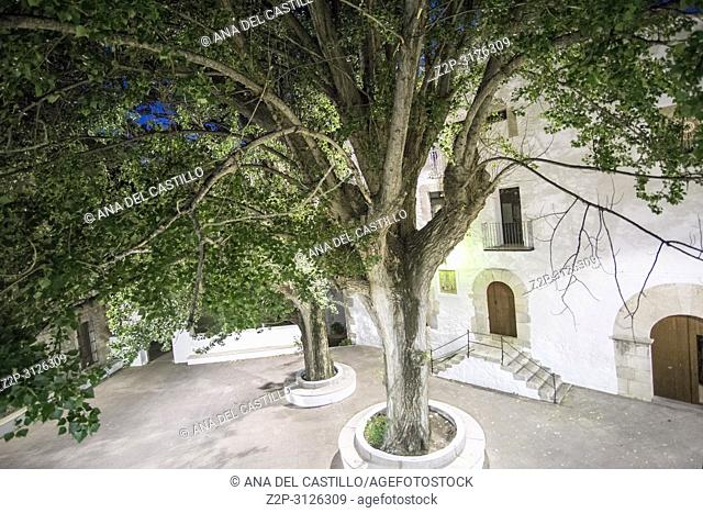 L Avella is an antique spa village in Cati Castello province Spain