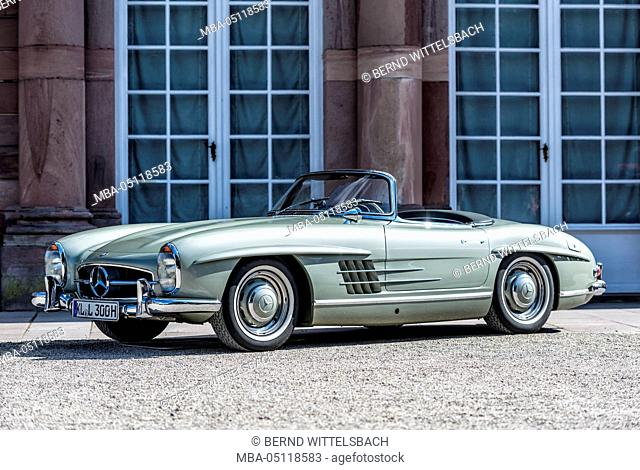 Schwetzingen, Baden-Württemberg, Germany, Mercedes-Benz 300 SL roadster year of manufacture 1957 at the Classic gala, Concours d'Elégance in the baroque castle...