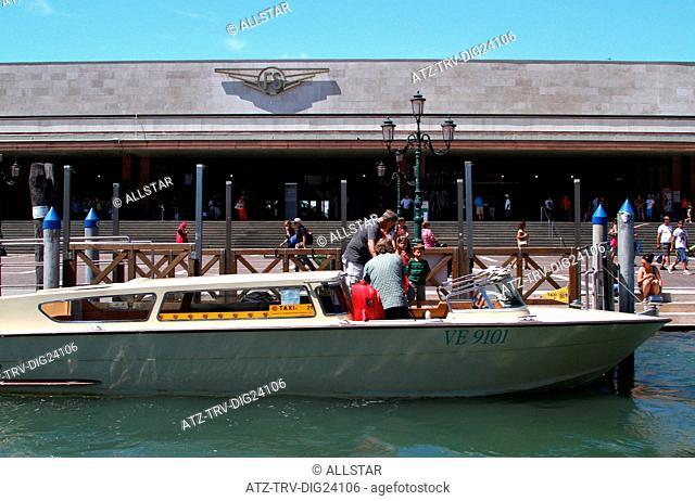 WATER TAXI & SANTA LUCIA RAILWAY STATION; VENICE, VENEZIA, ITALY; 01/08/2014