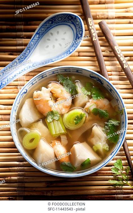Prawn soup with leek (China)