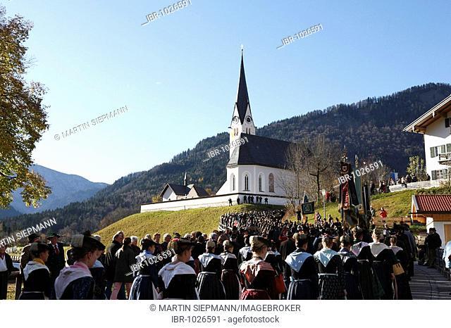 Procession on Leonhardifahrt, the feast day of Saint Leonard of Noblac, Kreuth, Tegernsee Valley, Upper Bavaria, Germany, Europe