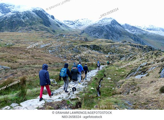 Hikers and climbers in Snowdonia National Park, Gwynedd, Wales, UK