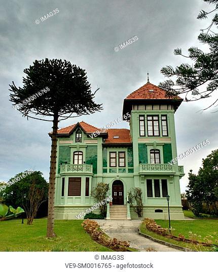 'Chalet verde' designed by Enrique Plitz, Ribadesella, Asturias, Spain