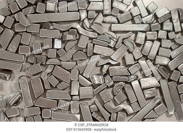 Pieces of metallic parts