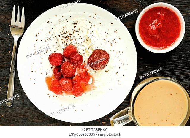 Healthy breakfast with strawberry, raspberry, cottage cheese