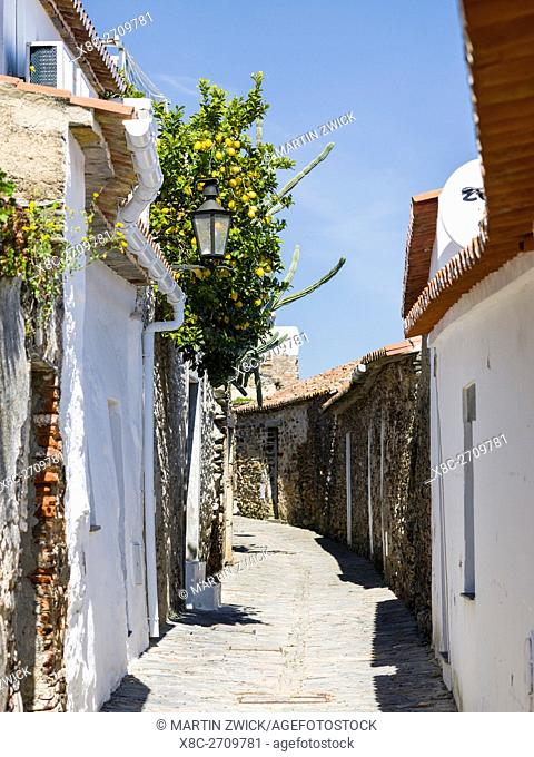 Monsaraz a mountain village and stronghold in the Alentejo close to the spanish border. Europe, Southern Europe, Portugal, March