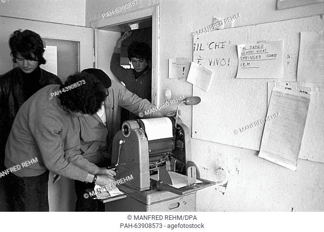 Members of the SDS prepare their flyers in Frankfurt on 13 May 1968 for the demonstrations against the emergency laws. - Frankfurt/Hessen/Germany