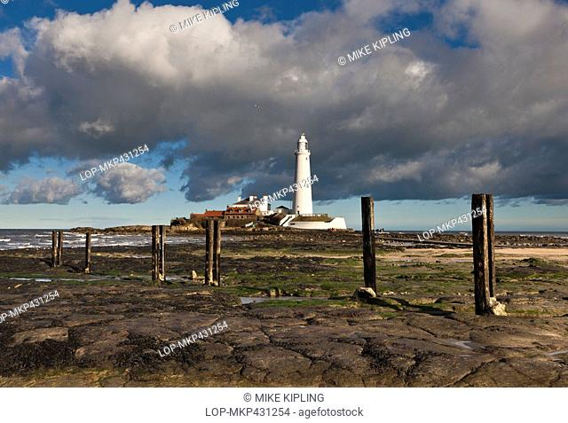 England, Tyne and Wear, Whitley Bay. St. Mary's Lighthouse on the tidal island of St. Mary's. The lighthouse opened in 1898 and was in service until 1984