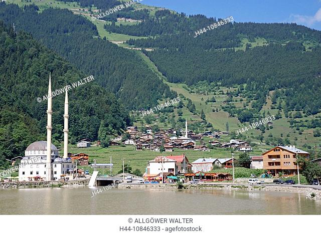 Turkey, Uzungol, Lago Maggiore, Kackar mountains, Anatolia, Asia, South of Trabzon city, mosque, minaret, shore, house
