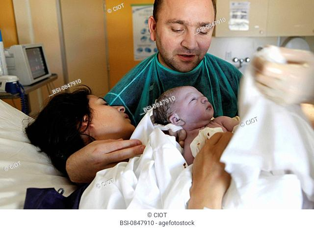 Photo essay at La Casamance clinic in Aubagne, France. On November 6th 2009. Birth of Leeroy