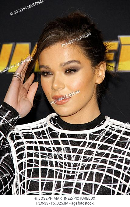 """Hailee Steinfeld at the Premiere of Paramount Pictures' """"""""Bumblebee"""""""" held at the TCL Chinese Theatre in Hollywood, CA, December 9, 2018"""