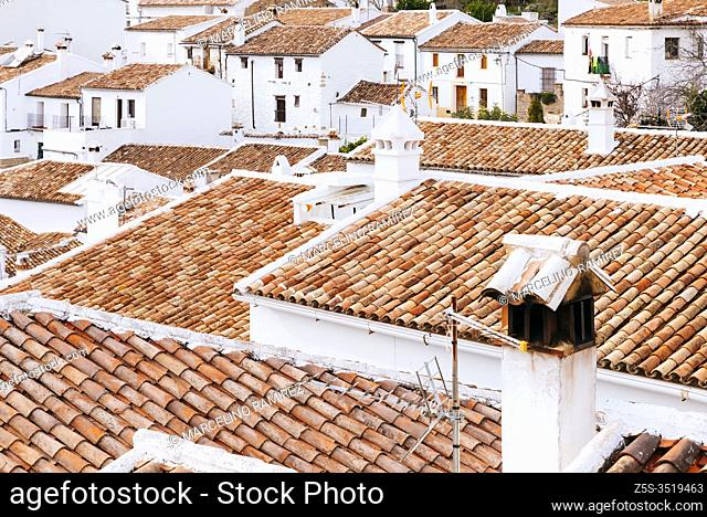 View of the town of Villaluenga del Rosario from the top of the hill. Villaluenga del Rosario, Cádiz, Andalucia, Spain, Europe
