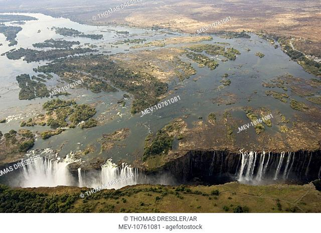Zimbabwe / Zambia - Aerial view of the Zambezi River and the Victoria Falls (all together 1700m wide)