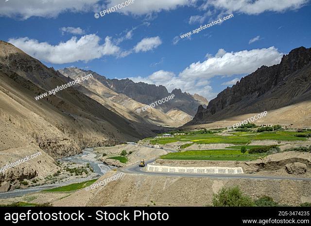 Srinagar Highway, Fotula Pass, Ladakh, India. Fotu La is one of two high mountain passes between Leh and Kargil
