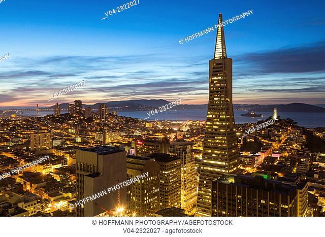 San Francisco skyline with Transamerica Pyramid at night, California, USA