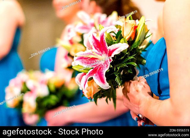 Modern western wedding ceremony
