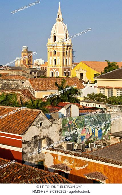 Colombia, Bolivar Department, Cartagena, listed as World Heritage by UNESCO, view on the old city rooftops overhanging by the catedral