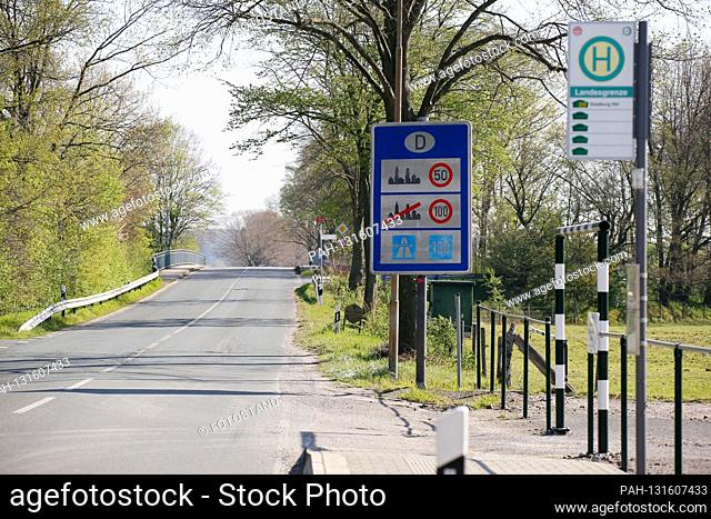 Herongen, Germany April 10, 2020: Symbol pictures - Coronavirus - 04/10/2020 Grenzschild Germany, Grenzverkehr Netherlands, Holland