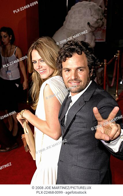Just Like Heaven (Premiere) Sunrise Coigney, Mark Ruffalo 09-08-2005 / Grauman's Chinese Theatre / Hollywood, CA / Dream Works / Photo by Joe Martinez