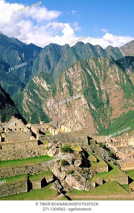 Peru, Machu Picchu, Inca ruins, mountain landscape