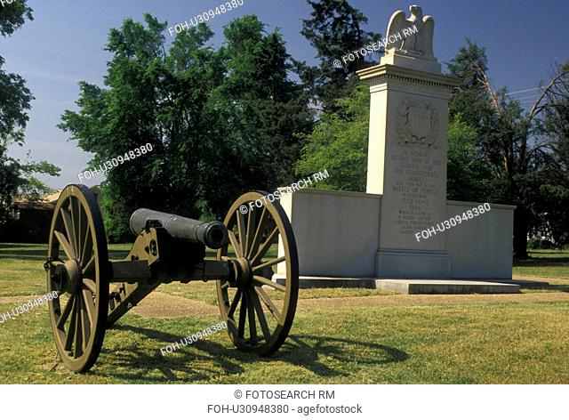 cannon, Tupelo, MS, Mississippi, A cannon and granite monument commemorate the Battle of Tupelo at the Tupelo National Battlefield in Tupelo