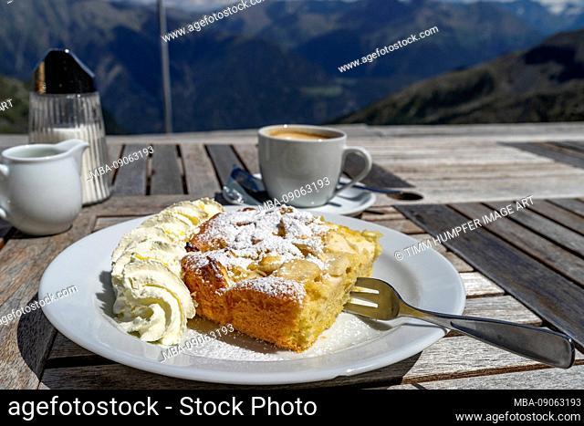 Europe, Austria, Tyrol, Ötztal Alps, Umhausen, apple pie with a dash on the Erlanger hut