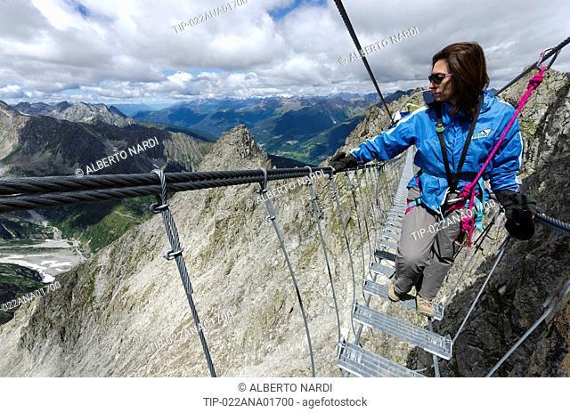 Italy, Lombardy, Camonica Valley, Retiche Alps, Lagoscuro Mountain Chain, Rope Bridge the Via Ferrata Sentiero dei Fiori