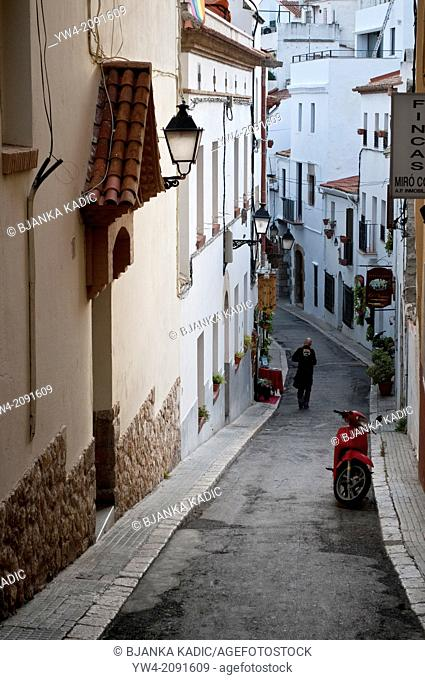 Narrow lane, Sitges, Catalonia, Spain