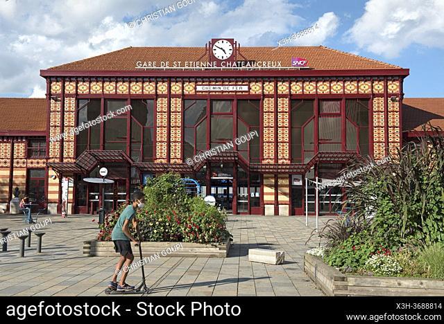 Gare ferroviaire de Saint-Etienne-Chateaucreux, Saint-Etienne, departement de la Loire, region Auvergne-Rhone-Alpes, France