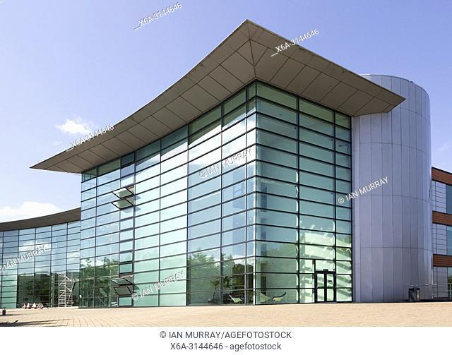 Modern architecture office buildings Reading International Business Park, Reading, Berkshire, England, UK