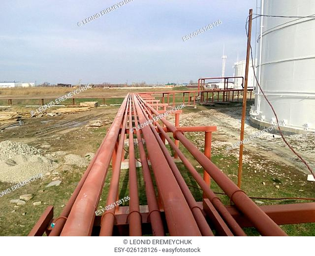 Piping for pumping refined petroleum products. Pipes at the refinery