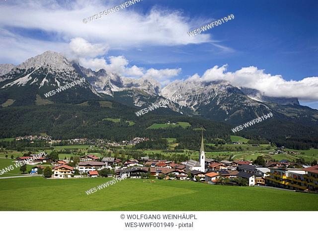 Austria, Tyrol, Ellmau am Wilden Kaiser, View of town