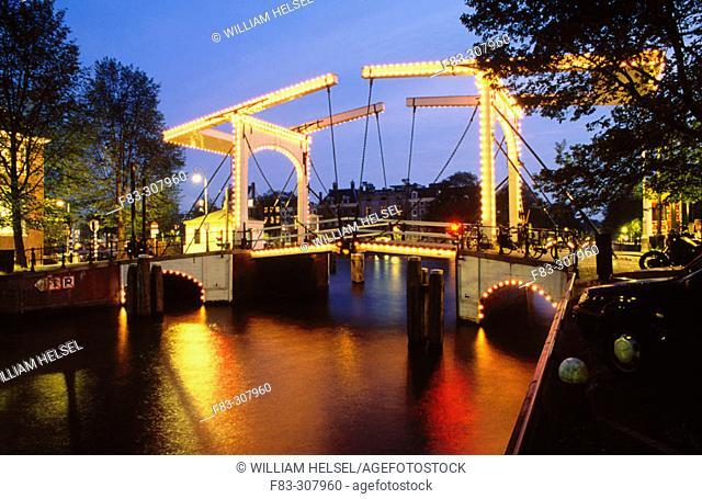 Bridge over New Herengracht (Heren Canal)