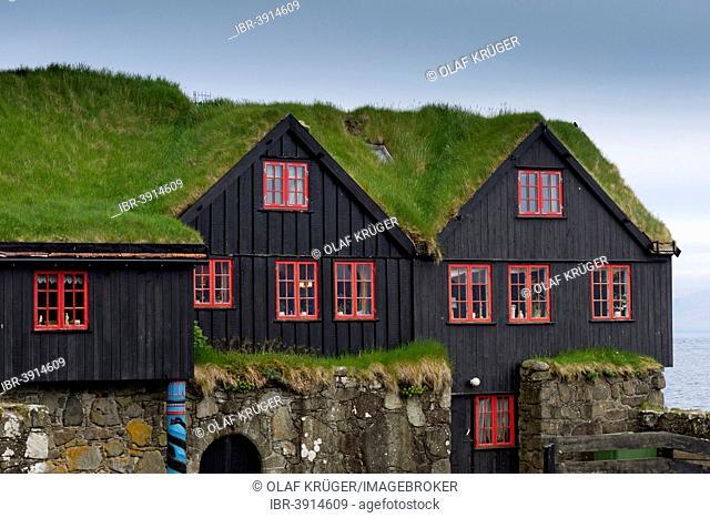 Houses with a grass roof, sod houses, Kirkjubøur, Streymoy, Faroe Islands, Denmark