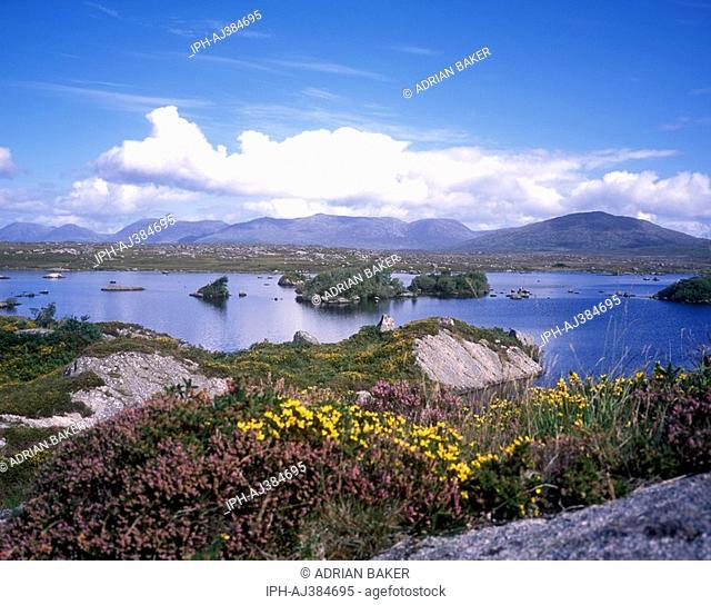Connemara - Picturesque Inverbeg Lough