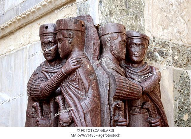 TETRARCHI principi dell'antichitàcon potere sulla quarta parte di uno Stato. L'esempio storicamente più noto di Tetrarchia è quella voluta da Diocleziano