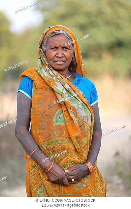 Old woman, KHAIRWAR TRIBE Chiniya village, Dist Balrampur, Chattisgarh, India