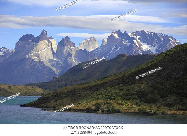 Chile, Magallanes, Torres del Paine, national park, Cuernos del Paine, Rio Paine,