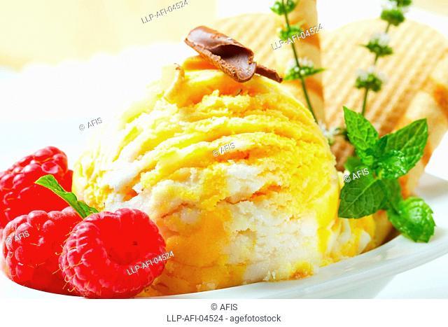 Egg Liqueur-Vanilla ice cream
